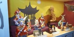 8_Chinesische Mondhasen und Mondkröten in der Ausstellung