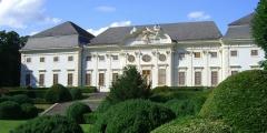 Aussenansicht Schloss Halbturn